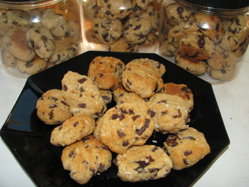 A Fabulous Picture of Some Chocolate Chip Cookies
